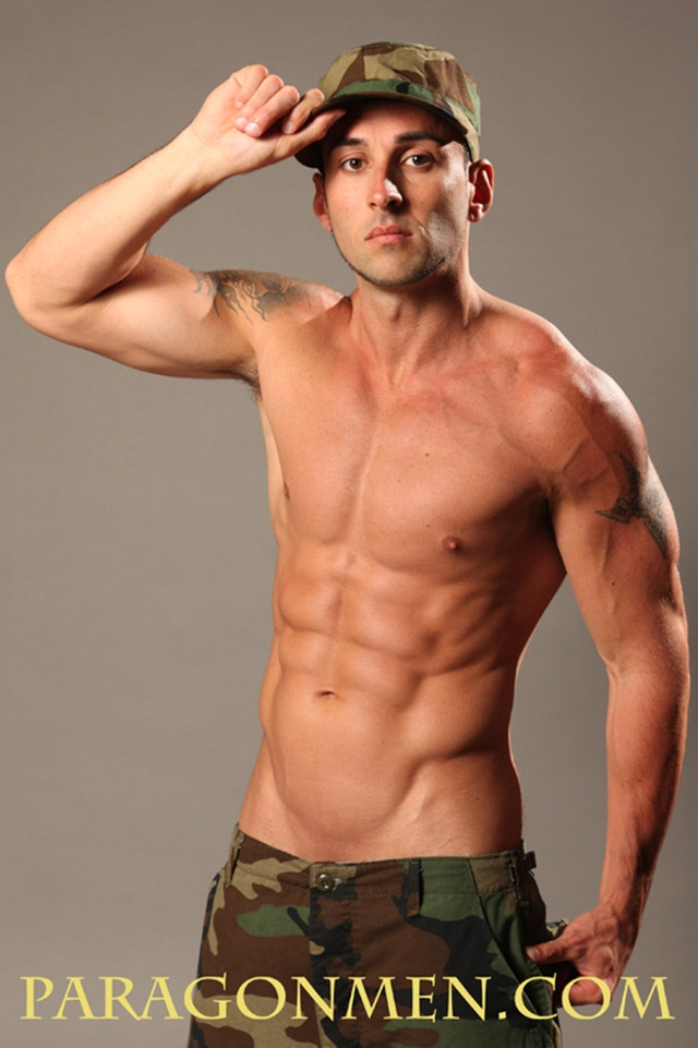 Paragon Men:  Western stud Bobby Milan's perfect set of abs!