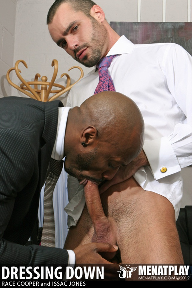 Men at Play: Office sex addict Race Cooper fucks pretty boy Issac Jones!