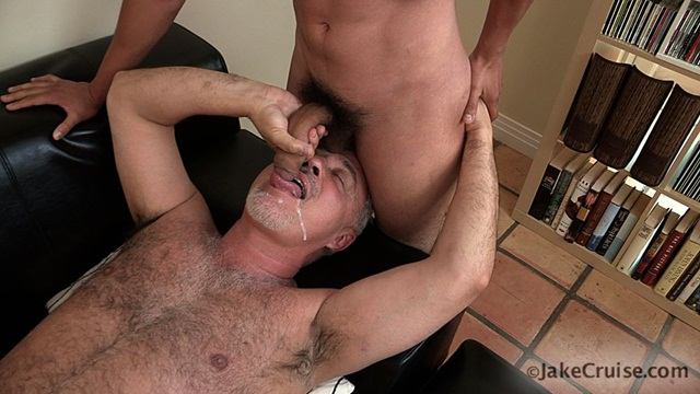 Mario Romo Jake Cruise 006 Ripped Muscle Bodybuilder Strips Naked and Strokes His Big Hard Cock Jake Cruise photo11 - Mario Romo & Jake at Jake Cruise