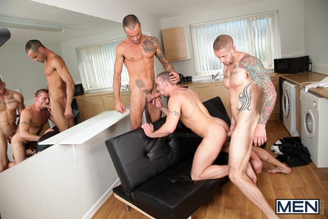Paparazzi threesome with Marco Sessions Harley Everett and Issac Jones 04 Ripped Muscle Bodybuilder Strips Naked and Strokes His Big Hard Cock torrent photo11 - Paparazzi threesome with Marco Sessions, Harley Everett and Issac Jones