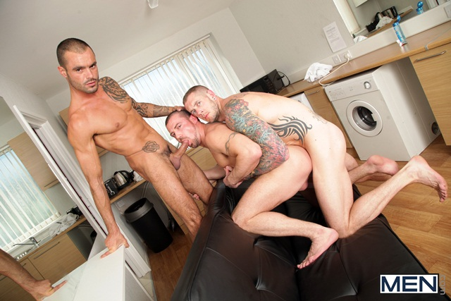 Paparazzi threesome with Marco Sessions Harley Everett and Issac Jones 05 Ripped Muscle Bodybuilder Strips Naked and Strokes His Big Hard Cock torrent photo11 - Paparazzi threesome with Marco Sessions, Harley Everett and Issac Jones
