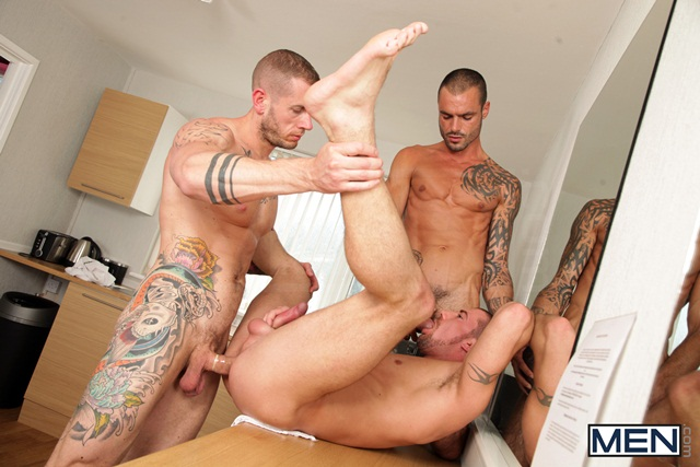 Paparazzi threesome with Marco Sessions Harley Everett and Issac Jones 06 Ripped Muscle Bodybuilder Strips Naked and Strokes His Big Hard Cock torrent photo11 - Paparazzi threesome with Marco Sessions, Harley Everett and Issac Jones