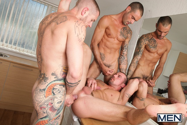 Paparazzi threesome with Marco Sessions Harley Everett and Issac Jones 07 Ripped Muscle Bodybuilder Strips Naked and Strokes His Big Hard Cock torrent photo11 - Paparazzi threesome with Marco Sessions, Harley Everett and Issac Jones