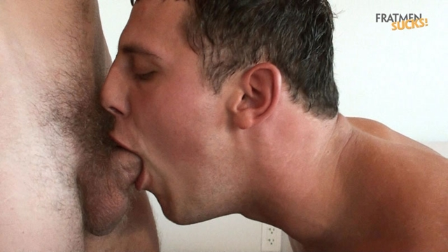 Straight guys for gay guys Fratmen Braden Fratmen Wally 07 photo1 - Straight dudes kiss with Fratmen Braden and Wally