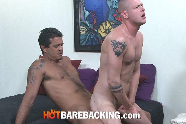 Blue-Bailey-and-Shawn-Mason-Hot-Barebacking-gay-bareback-sex-raw-fucking-condom-free-fuck-003-gallery-photo