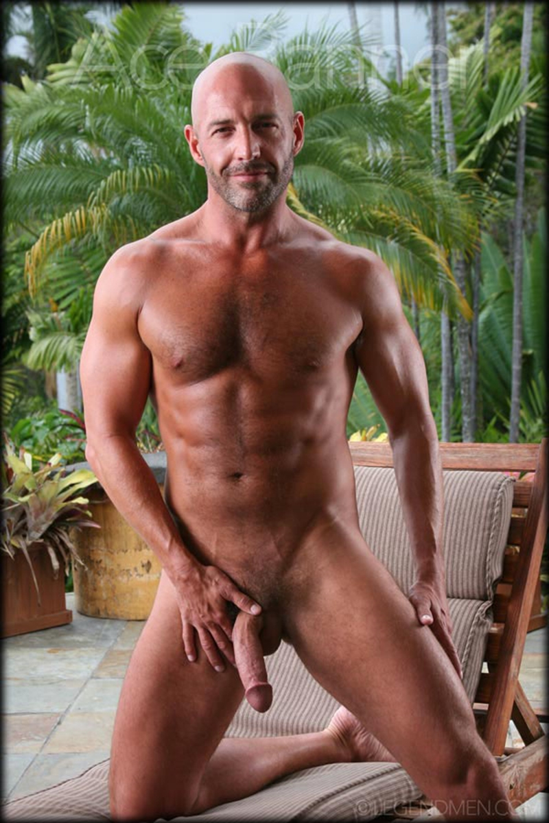 LegendMen-shaved-head-muscled-bodybuilder-Ace-Banner-strips-naked-masturbates-big-muscle-dick-hard-erect-010-male-tube-red-tube-gallery-photo