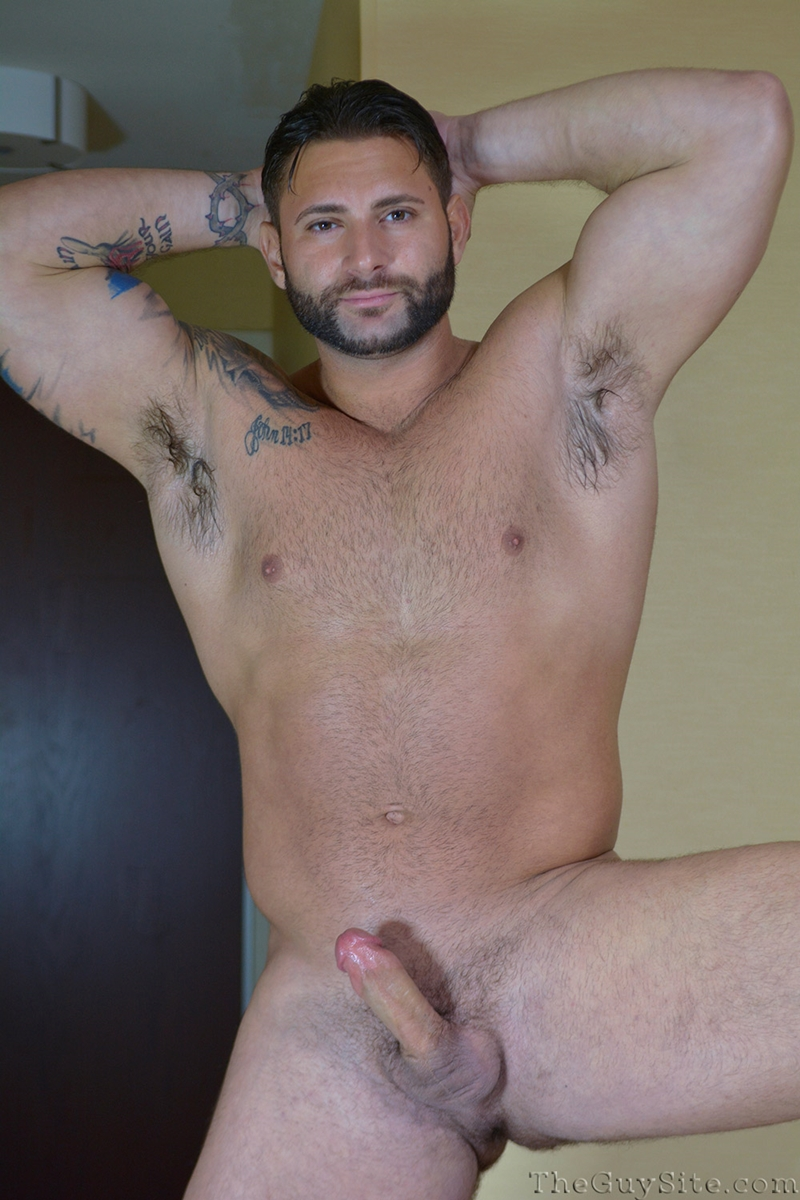 TheGuySite-Mike-Buffalari-naked-bodybuilding-29-years-old-big-muscle-hunk-bigger-beefier-V-Shaped-torso-huge-thighs-shape-003-tube-download-torrent-gallery-photo