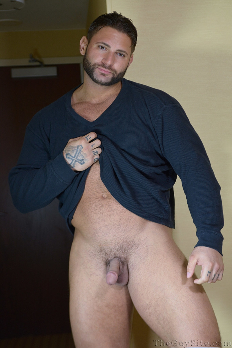 TheGuySite-Mike-Buffalari-naked-bodybuilding-29-years-old-big-muscle-hunk-bigger-beefier-V-Shaped-torso-huge-thighs-shape-008-tube-download-torrent-gallery-photo