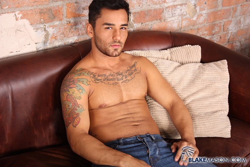 BlakeMason-Gorgeous-Brazilian-muscle-hunk-Bruno-Bernal-big-uncut-dick-sexual-experience-wanking-cumshot-solo-action-001-tube-download-torrent-gallery-sexpics-photo
