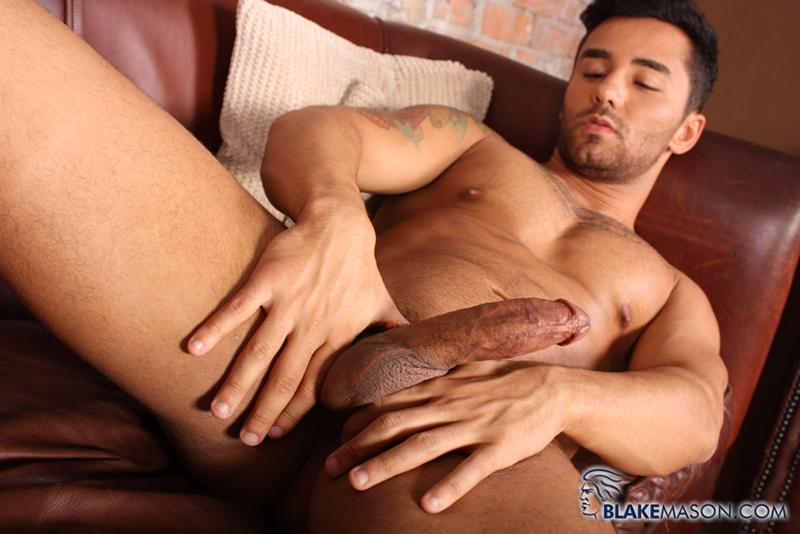 BlakeMason-Gorgeous-Brazilian-muscle-hunk-Bruno-Bernal-big-uncut-dick-sexual-experience-wanking-cumshot-solo-action-011-tube-download-torrent-gallery-sexpics-photo
