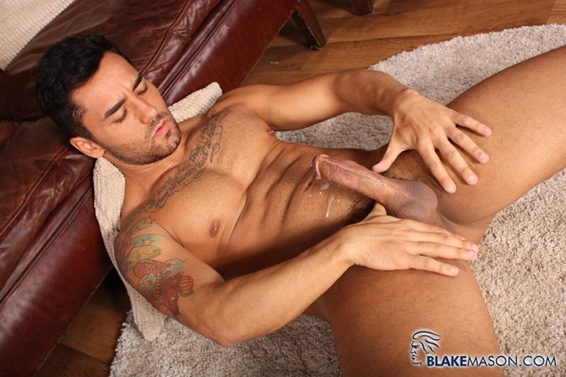 BlakeMason-Gorgeous-Brazilian-muscle-hunk-Bruno-Bernal-big-uncut-dick-sexual-experience-wanking-cumshot-solo-action-017-tube-download-torrent-gallery-sexpics-photo