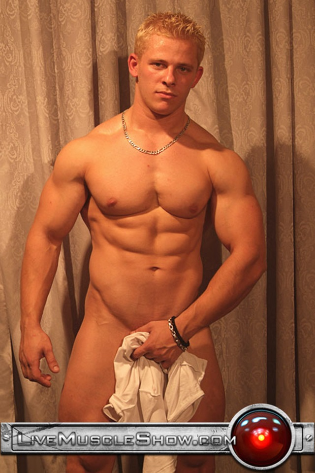 gay bodybuilder matthew rush