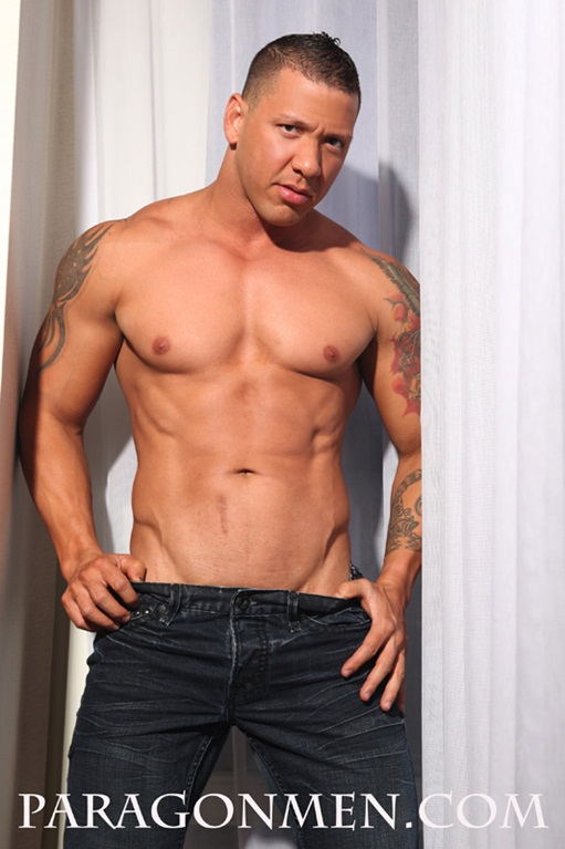 Super sexy naked bodybuilder Enrique Bueno undresses at Paragon Men