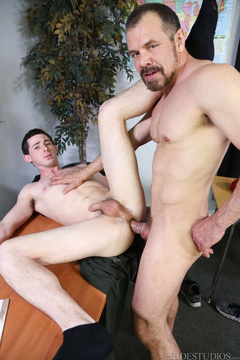 Гей порно бесплатно учитель дед и внукк фото 498-315