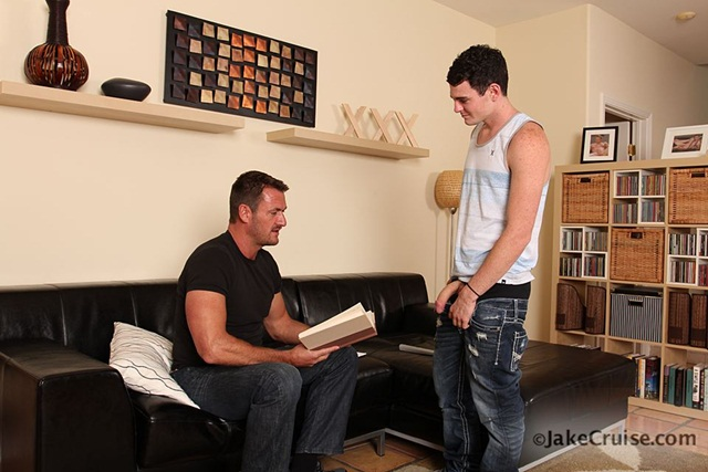 Anthony London Jessippi Cappozzolli 001 Ripped Muscle Bodybuilder Strips Naked and Strokes His Big Hard Cock Jake Cruise photo1 - Anthony London & Jessippi Cappozzolli at Jake Cruise