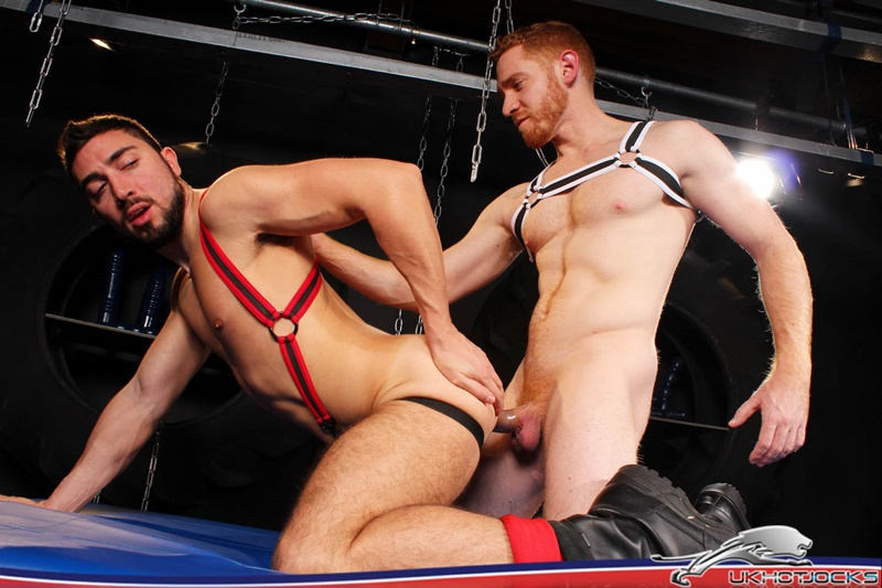 UKHotJocks sexy ginger hair red hair muscle hunk Leander sex toy fuck hole Gaston Croupier dildo pig heaven big cocks 020 gay porn sex gallery pics video photo - Leander takes the sex toy forcefully really ploughing his fuck hole Gaston Croupier is in dildo pig heaven