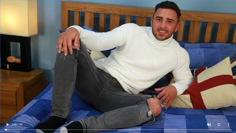 Men for Men Blog Gay-Porn-Pics-002-Jaxon-North-Tanned-straight-young-muscle-hunk-naked-tight-undies-ass-big-dildo-EnglishLads Tanned straight young muscle hunk Jaxon North strips off his tight undies and probes his ass with his big dildo English Lads