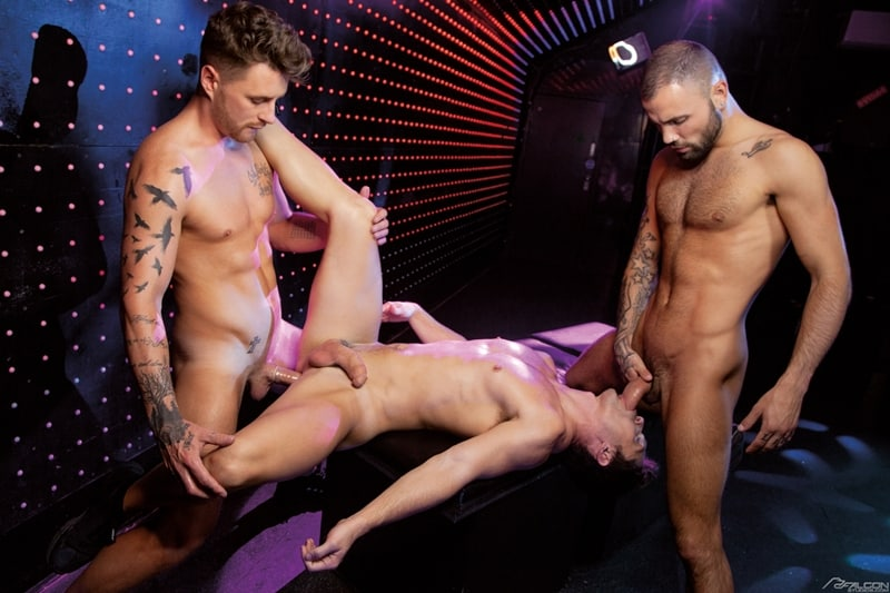 Josh-Moore-Jeffrey-Lloyds-huge-cocks-spit-roasting-Devin-Franco-hot-bubble-butt-ass-hole-FalconStudios-014-Gay-Porn-Pics